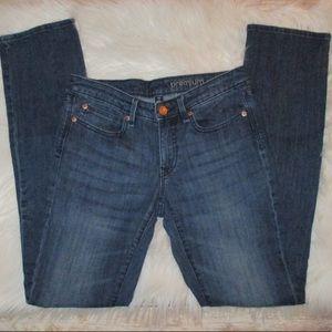 Gap Premium Straight Leg Dark Tint Women Jean